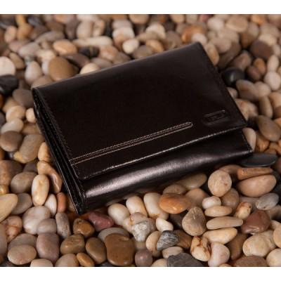 Damski portfel z niepowtarzalnym przeszyciem (18)